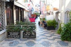 CASCAIS, PORTOGALLO - 24 SETTEMBRE 2017 Scena della via di Cascais Fotografia Stock