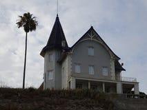 Cascais-Stadtmitte mit vorstehenden Gebäuden - Portugal Stockbilder