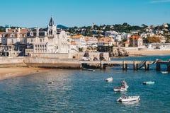 Cascais strand och strand nära Lissabon, Portugal Fotografering för Bildbyråer