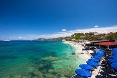 Cascalhos da praia da ilha da Ilha de Elba Imagens de Stock