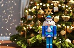 Cascanueces adornado para la Navidad imagenes de archivo