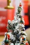 Cascanueces como decoraciones del árbol de Navidad en el mercado de la Navidad de Vilna Imagen de archivo libre de regalías