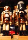 Cascanueces en un mercado de la Navidad Imágenes de archivo libres de regalías