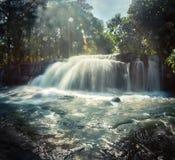 Cascata al parco nazionale di Phnom Kulen cambodia fotografie stock libere da diritti
