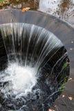 Cascata artificiale nel parco del castello di Radun Immagini Stock Libere da Diritti
