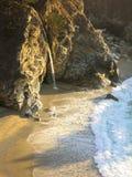 Cascata in Big Sur Fotografie Stock Libere da Diritti