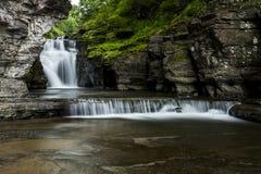 Cascata - cadute di Manorkill - montagne di Catskill, New York immagine stock libera da diritti