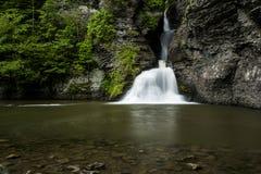 Cascata - cadute di uccisione della miniera - montagne di Catskill, New York fotografie stock