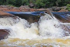 Cascata canadese croccante e pulita dello schermo Fotografie Stock Libere da Diritti