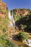 Cascata che riflette un Rainbow Fotografie Stock