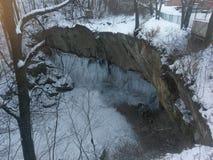 Cascata congelata a Williamsport Indiana il giorno 2018 del ` s del nuovo anno immagini stock