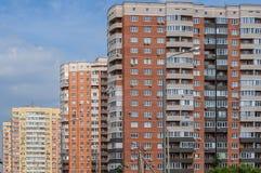 Cascata de construções residenciais novas foto de stock