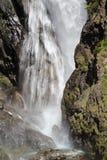 Cascata de Dormillouse no parque nacional de Ecrins, Hautes-Alpes francesas foto de stock royalty free