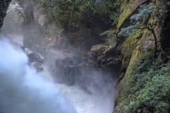 Cascata del calderone del ` s del diavolo Banos l'ecuador Fotografie Stock Libere da Diritti