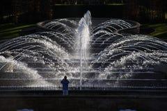 Cascata del giardino di Alnwick grande fotografia stock