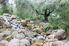 Cascata del giardino a King& x27; parco di s fotografie stock