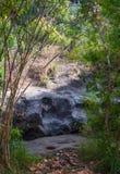 Cascata del paesaggio e canyon delle pietre immagine stock libera da diritti
