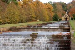 Cascata dell'acqua alla Camera di Chatsworth immagine stock