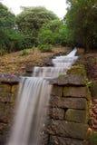 Cascata dell'acqua alla Camera di Chatsworth immagini stock libere da diritti