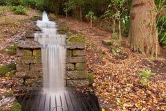 Cascata dell'acqua alla Camera di Chatsworth Fotografia Stock