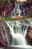 Cascata dell'alta montagna Fotografie Stock