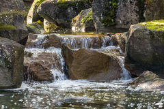Cascata dell'insenatura della fontana Immagini Stock Libere da Diritti