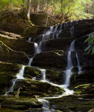 Cascata della cascata con muschio Fotografie Stock Libere da Diritti