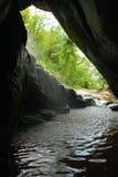 Cascata della caverna in Tailandia fotografia stock libera da diritti