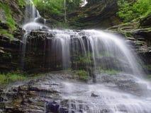 Cascata della montagna Immagine Stock Libera da Diritti