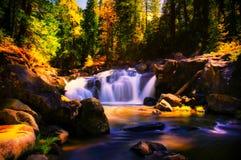 Cascata della montagna fotografia stock libera da diritti