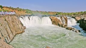 Cascata di Dhuandhar sul fiume di Narmada a Jubbulpore fotografie stock