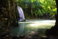 Cascata di Erawan, Kanchanaburi, Tailandia Immagine Stock