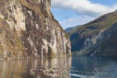 Cascata di Friaren e di Geirangerfjord Fotografia Stock