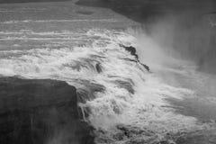 Cascata di Gullfoss in Islanda in bianco e nero con drammatico Fotografia Stock Libera da Diritti