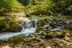 Cascata di Huay Mae Kamin Thailand in Kanjanaburi Fotografie Stock Libere da Diritti