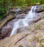 Cascata di Kathu sull'isola di Phuket in Tailandia Fotografie Stock Libere da Diritti