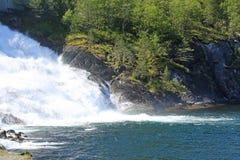 Cascata di Langfossen di estate Fotografia Stock