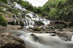 Cascata di Mae Ya, Chiang Mai, Tailandia Fotografia Stock Libera da Diritti