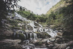 Cascata di Mae Ya, provincia di Chiang Mai immagine stock