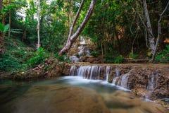 Cascata di Ngao, lampang, Tailandia Fotografia Stock
