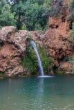 Cascata di Pego fare inferno vicino a Tavira fotografia stock libera da diritti