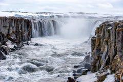 Cascata di Selfoss nel parco nazionale di Vatnajokull, Islanda del nord immagine stock libera da diritti
