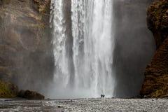 Cascata di Skogafoss, Islanda Immagine Stock