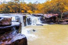 Cascata di Tat Ton nel parco nazionale di Tat-tonnellata nel provinc di Chaiyaphum Fotografia Stock Libera da Diritti