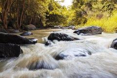 Cascata di Tat Ton nel parco nazionale di Tat-tonnellata nel provinc di Chaiyaphum Immagini Stock