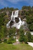 Cascata di Tvindefossen, Norvegia Fotografie Stock Libere da Diritti