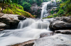 Cascata di Vachiratharn in Tailandia Immagini Stock Libere da Diritti