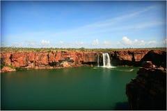 Cascata a distanza di Kimberley Fotografia Stock
