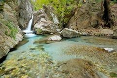Cascata e flusso di Wonderfull in Taygetos Fotografia Stock Libera da Diritti