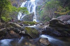 Cascata in foresta profonda Fotografie Stock Libere da Diritti